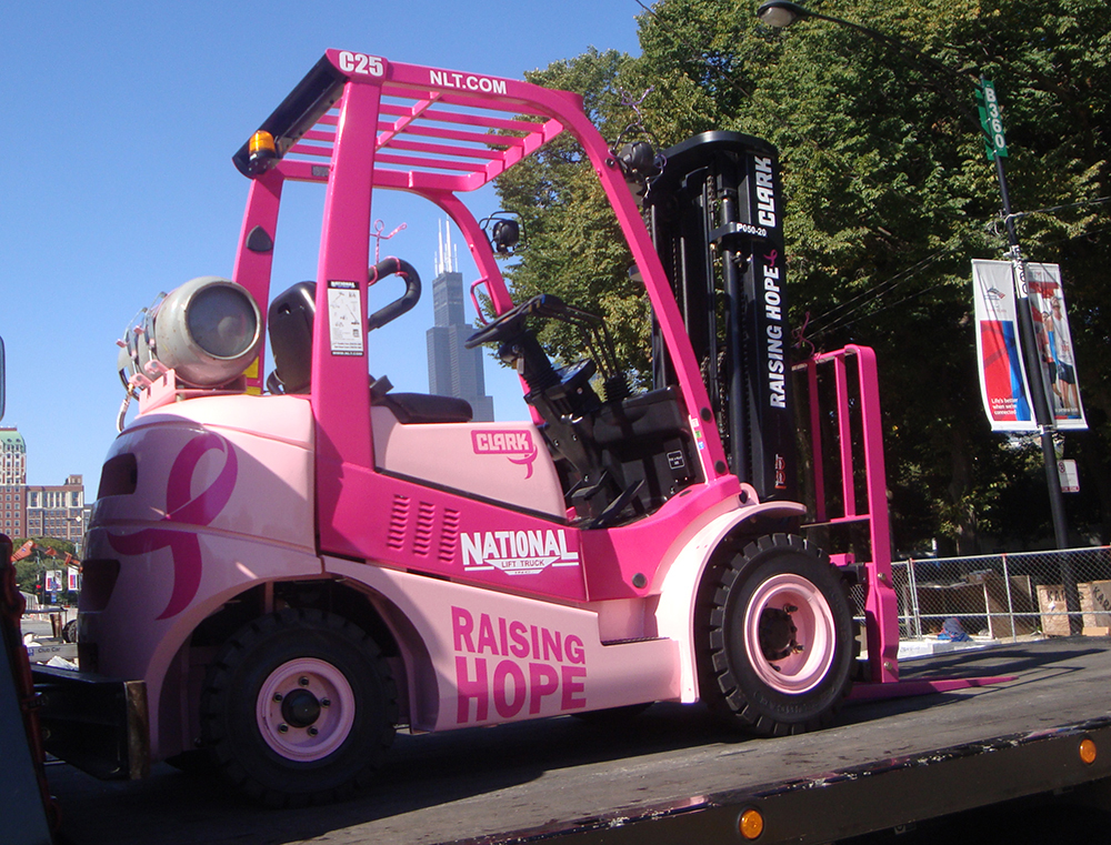 Roze Raising Hope heftruck Clark